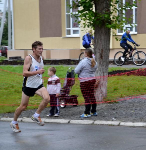 Новозеландский тренер Арту Лидьярд говорил- Вряд ли вы способны бежать слишком медленно,однако вам грозит опасность взять слишком быстрый темп.