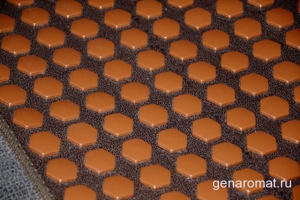 Турманиевые шестигранники похожи на пчелиные соты-подсказка самой природы