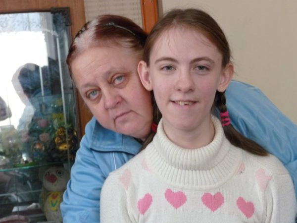 Надя Арсений с мамой.