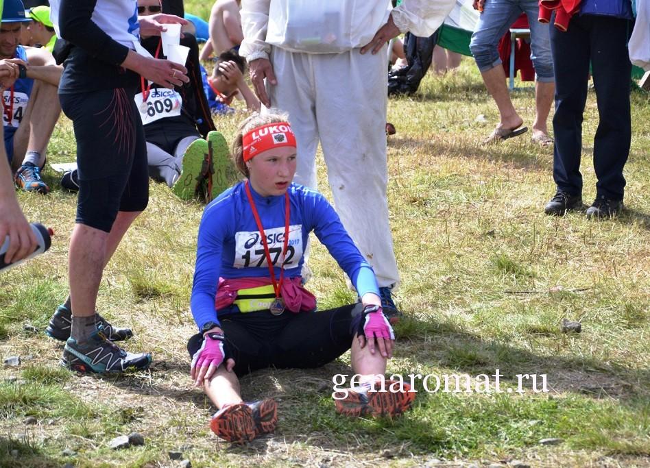 Финиш участницы Конжаковского марафона 2017.