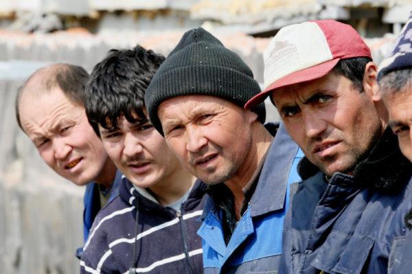 Мигранты из ближнего зарубежья.