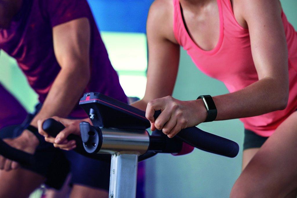 Тренажерка и фитнес браслет