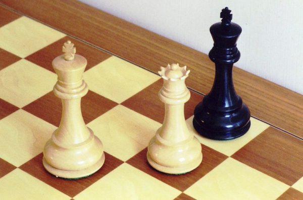Шахматы. Мат на краю доски